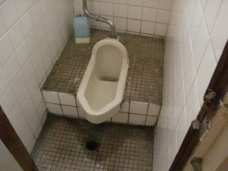 汚いトイレは心身の健康を妨げます。