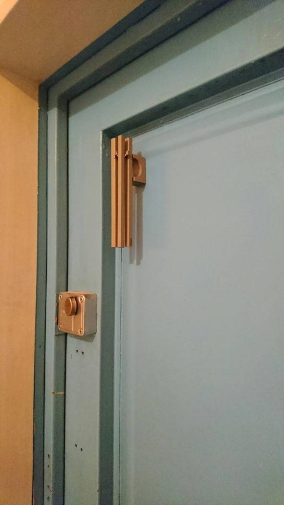 玄関にウインドチャイム。 気をつけないと吉にも凶にも!