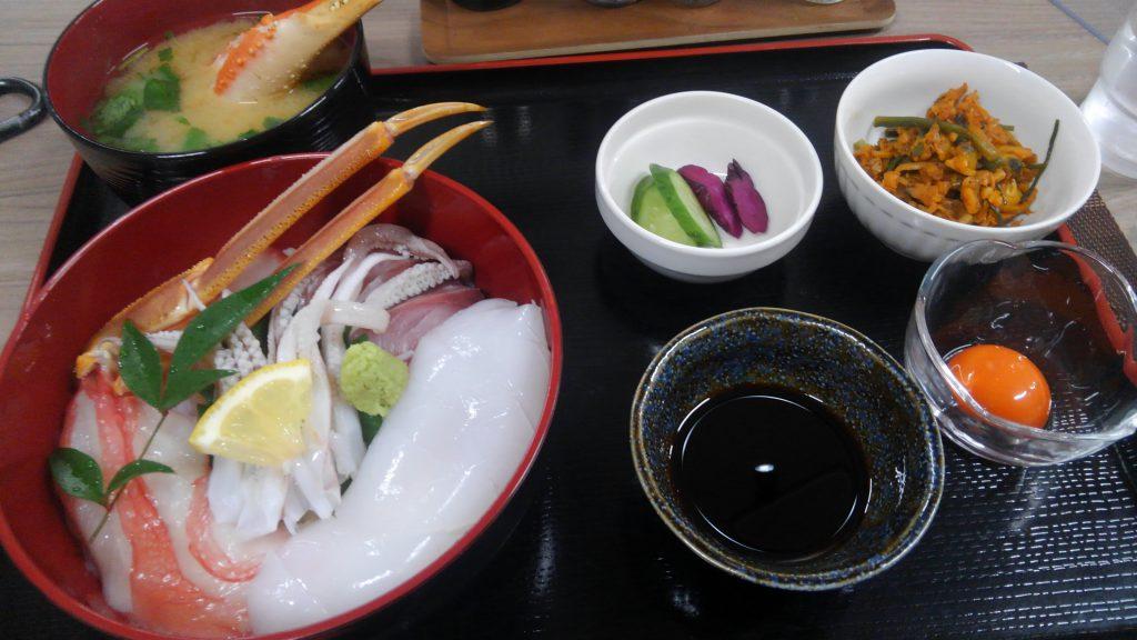 地元のお食事処で地元のお魚を頂きました! 季節の魚を食べるのも重要ですよね。